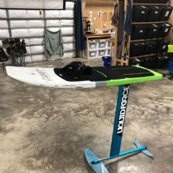 2017 Liquid Force Happy Foil with Camet Carbon 137 deck with two straps Used